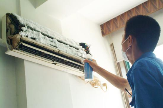 自己在家里就能清洁空调室内机