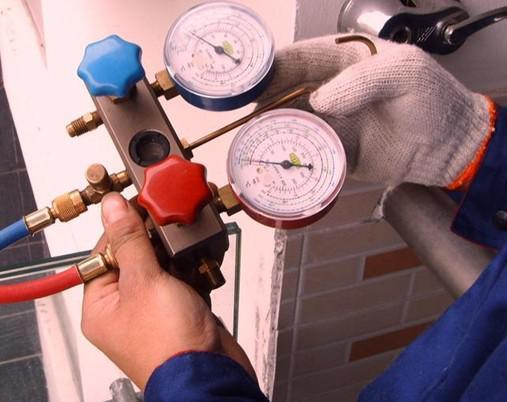 变频空调的冷媒比定频压强更高 有杂质时的危险性也就更高