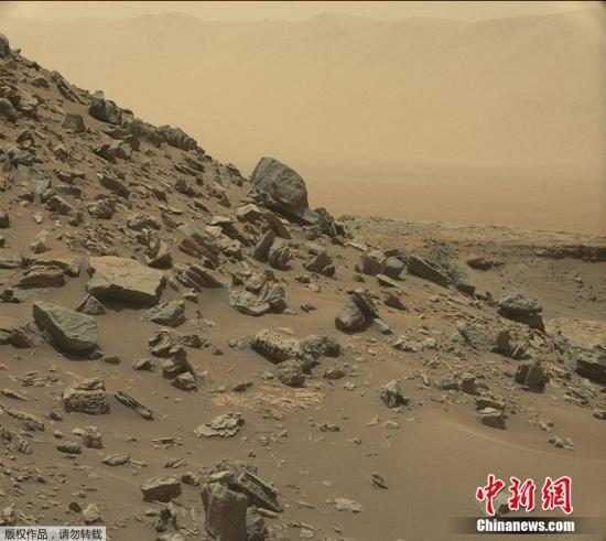 美国国家航空航天局(NASA)发布火星最新影像,地貌酷似美国西南部沙漠,与地球景色如出一辙。