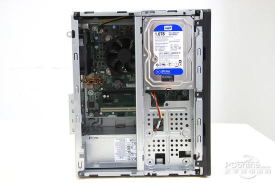 本机内置了一款1TB的机械硬盘,用户可以根据自己的需求自行加配固态硬盘。