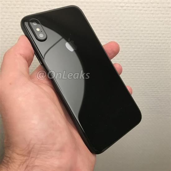 外媒曝光的iPhone8机模