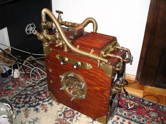 蒸气朋克水冷机箱(图片源自tinypic)