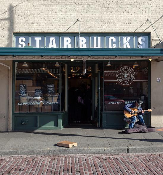 (位于西雅图 1912 Pike Place 的第一家星巴克门店)