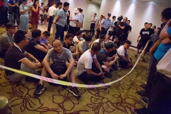 供应商们围堵乐视。@视觉中国