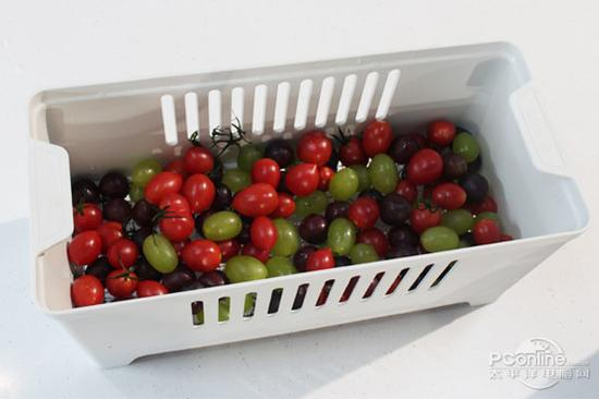 13分钟结束后,取出水果,相信这些水果已经可以放心食用。
