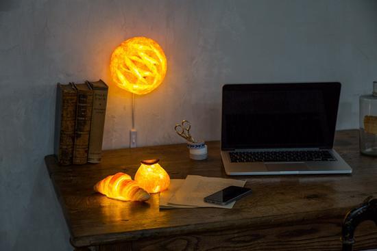 圆面包灯与牛角包灯