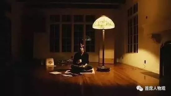 图:27岁的乔布斯在旧金山库比提诺家中