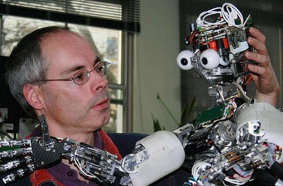 伦敦帝国理工学院认知机器人学系教授默里.沙纳汉(MurrayShanahan)。