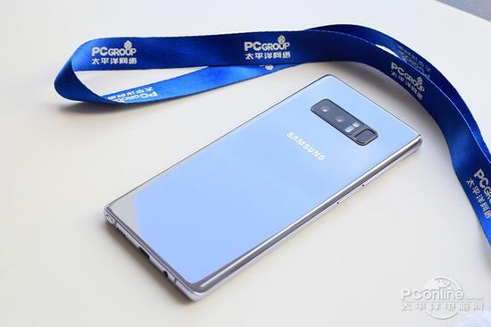 三星Note 8是三星首款双摄手机,也是带有双光学防抖的手机