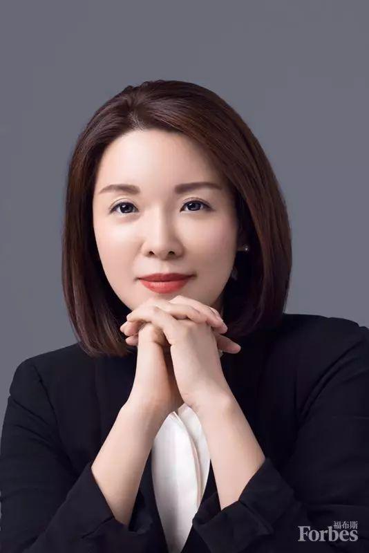 张晓云女士是华为品牌建设的亲历者、参与者。