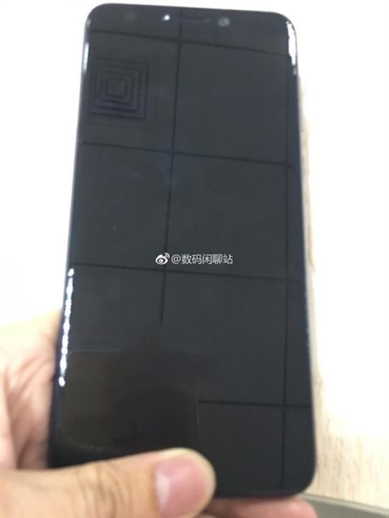 OPPO全面屏新机谍照曝光:十一月份量产上市(图片来自于weibo)