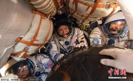 英国宇航员:男女混编风险高 由同性完成火星任务