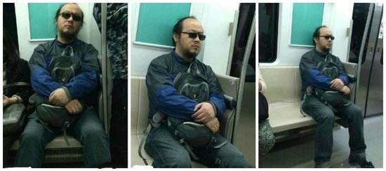 窦唯被拍到衣着朴素坐地铁