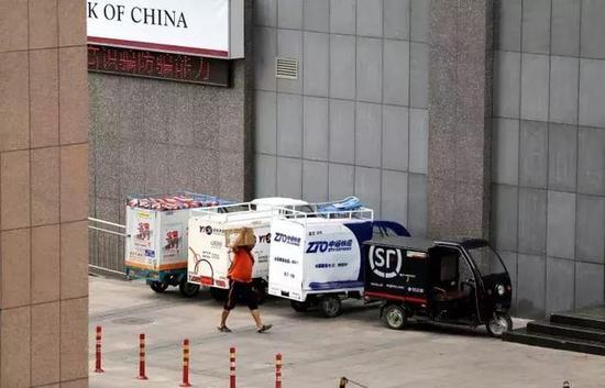 快递行业进入相对稳定期,靠价格追求市场份额的行为暂时告一段落。@视觉中国