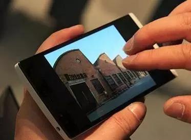 """国产手机不仅越来越得到国人的青睐,甚至已经走向世界,成为了""""中国制造""""的新名片。"""