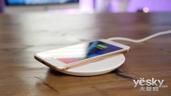 iPhone 8无线充电成唯一亮点 和Note8比呢?