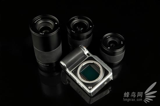 哈苏X1D机身与XCD 3.5/30mm、XCD 3,5/45mm、XCD MACRO 3.5/120mm三支镜头