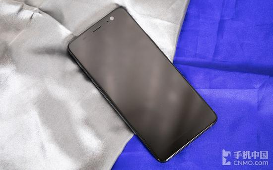 HTC U11+息屏