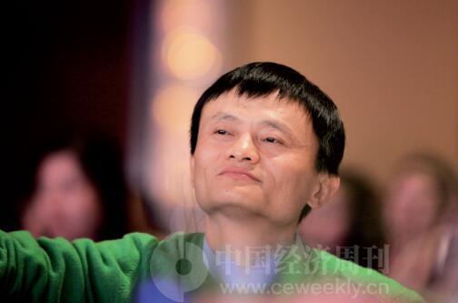 """在京东、天猫隔空打嘴仗之余,刘强东和马云也没闲着,不遗余力地为自己的公司""""助攻""""。《中国经济周刊》首席摄影记者 肖翊 摄"""