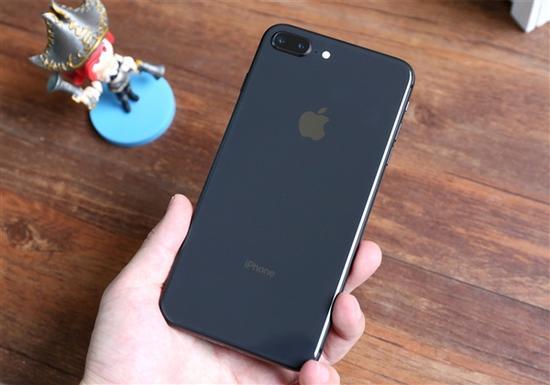 据Softpedia报道,一些iPhone 8/8 Plus用户报告称,Mic拾音有些问题。