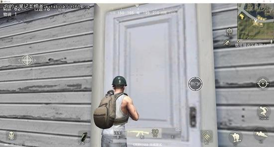 ▲正面站,我们能看到门