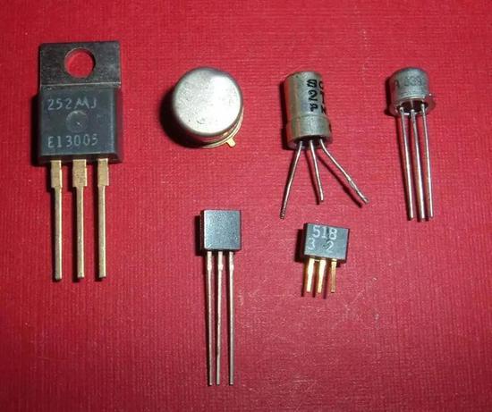 晶体管 (图片来源:维基百科)