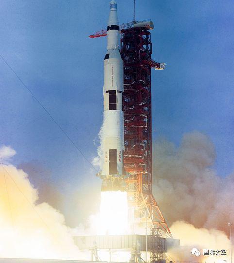 土星5号重型火箭发射