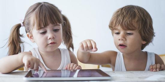 ▲ 直觉设计让小朋友学习 iPad 的速度超快,图片来自Imagination Ward