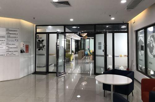 暴风TV现办公地:深圳高科大厦七楼-创富港共享办公室-杨坪 摄