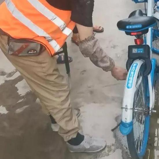 <b>杭州一工地现近60辆被破坏共享单车 项目部赔偿1.2万</b>