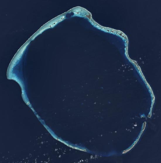埃尼托克环礁,是非常典型的环状珊瑚礁   NASA