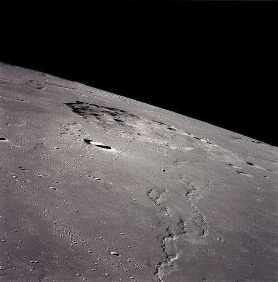 从阿波罗号看吕姆克山图/Wikipedia