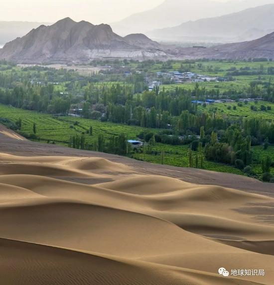 中国最大沙漠发洪水,真的假的?