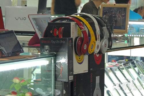 和國際品牌設計相近的國產耳機