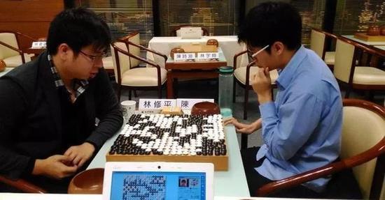 林修平VS陈禧在海峰杯上共弈414手,感受下这个几乎落满子的棋盘