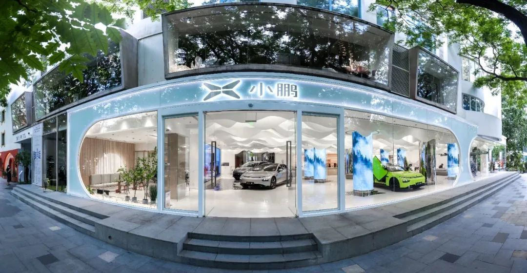 新造车抢占购物中心:边补作业,边抢地盘