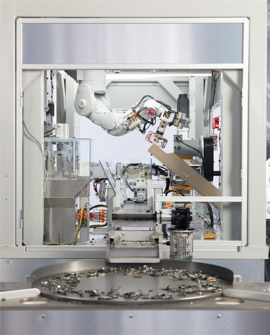 解决电子垃圾问题:苹果尝试用旧iPhone零件制造新机