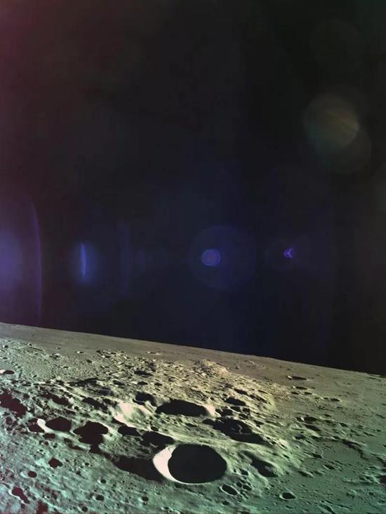 这张月面特写是Beresheet坠毁前传回的最后一张图片。