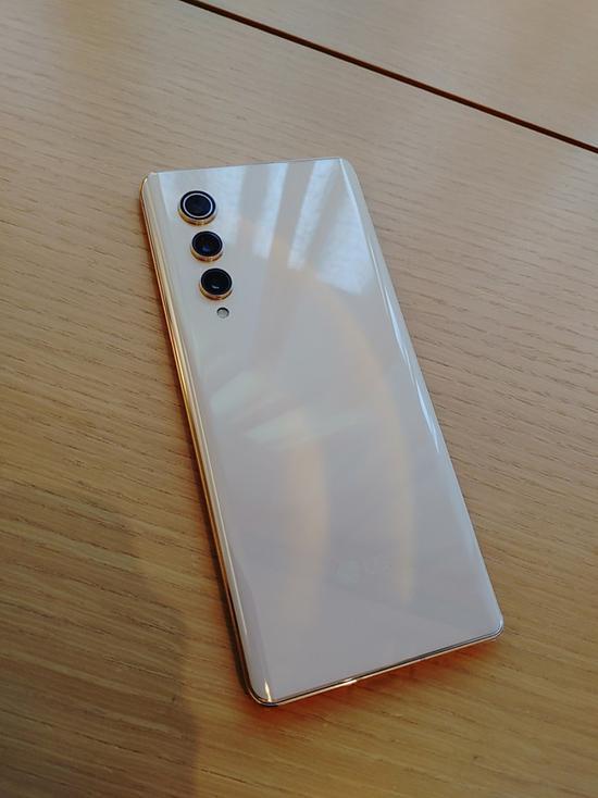 最后的旗舰:LG V70真机图曝光
