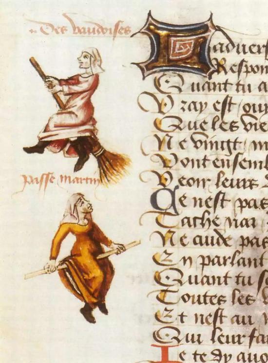 法国国家图书馆手稿:一个女子骑在扫帚上,另一个骑在棍子上。1451年,Martin Le Franc