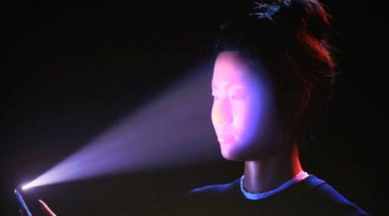 取消刘海 苹果新技术可能带来屏幕内Face ID