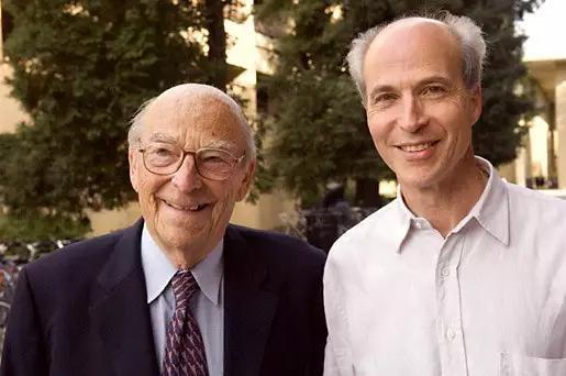 图丨阿瑟·科恩伯格(左)和罗杰·科恩伯格(右)