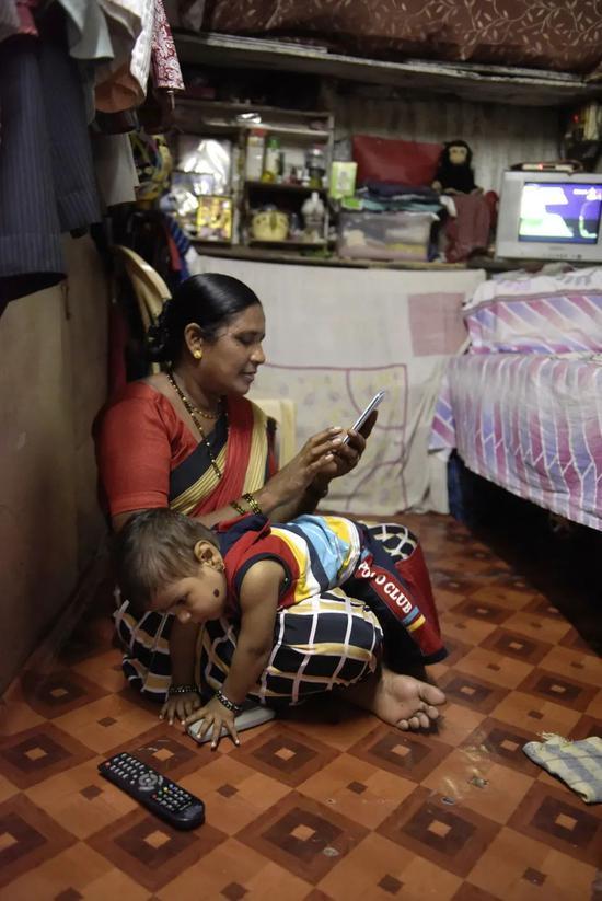 """印度疫情几近失控 中国手机厂产能""""对折"""""""
