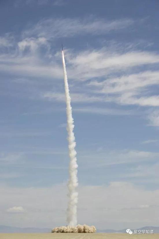 創造歷史:2004年5月17日,世界上第一枚完全由民間人士自行研製的火箭成功發射進入太空 來源:wiki