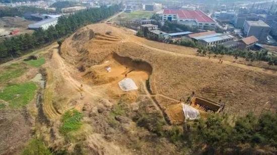 老虎岭水坝发掘现场