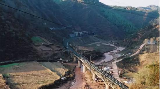 凿山铺路15年:支付宝上的中国
