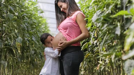 当怀孕遇上了新冠:她们会面临怎样的困境