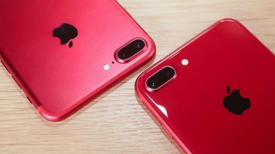 两代红色产品对比