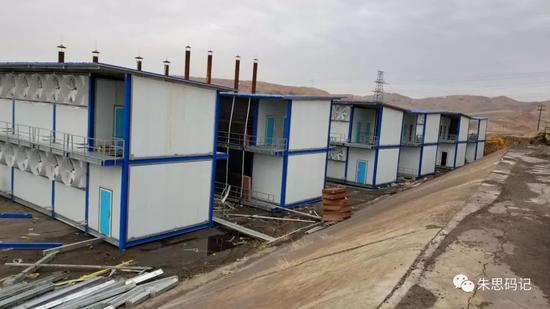 中国西部某地正在建设中的矿场