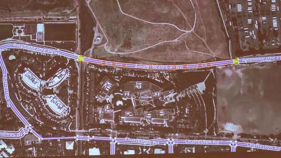 Ground Truth的操作员把各种来源的道路数据对齐。来源:CNET